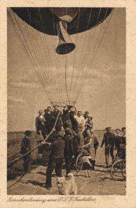 Germany - Zwischenlandung eines D.L.V.- Freiballons Air balloon 03.66