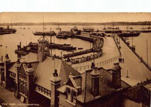 Southampton The Pier Harbour Boats Bateaux Port Postcard