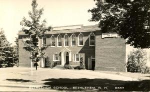 NH - Bethlehem. Elementary School.   *RPPC