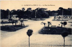 CPA  La Baule-les-Pins (L.-I.) - La Place des Palmiers   (588075)