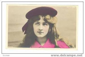 RP, Phyllis Dare In Pink Shirt & Burgundy Hat, 00-10s