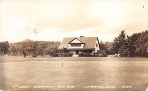 Ishpeming Michigan~Wawowowin Golf Club~9th Green~Club House~1940 RPPC