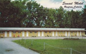 Sunset Motel , RENFREW , Ontario , Canada , PU-1951