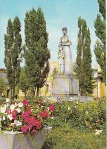Poland Suwalki Pomnik Marii Konopnickiej Syayue