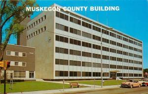 Muskegon Michigan~1956 Buick In Front of County Building~Empty Bench~Postcard
