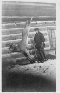 F25/ Interesting RPPC Photo Postcard c1910 Deer Hunting Trophy Buck Rifle 17