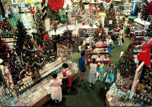 Michigan Frankenmuth Bronner's Christmas Wonderland One Acre Salesroom