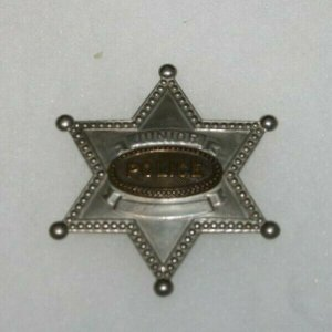 VINTAGE CHILDS JUNIOR POLICE METAL CAST SIX POINT BADGE