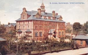 DUMFRIES SCOTLAND UK-RAILROAD STATION HOTEL POSTCARD
