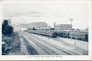 Fort William ON CPR Station and Yards Trains Unused Federated Press Postcard E79