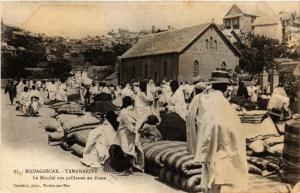 CPA Tananarive. Le Marché aux paillasses au Zoma. MADAGASCAR (625892)