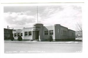 RP: Municipal Hall , PENTICTON , B.C. , Canada , 30-40s