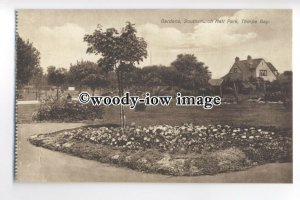 tp9452 - Essex - Gardens in Bloom at Southchurch Park, Thorpe Bay - Postcard