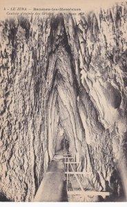 LE JURA, Baumen-les Messieors, France, 1900-10s; Couloir d'entree des Grottes