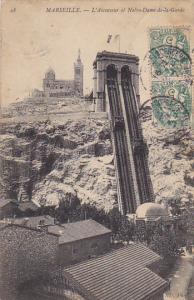 France Marseilles L'ascenseur et Notre-Dame de la Garde