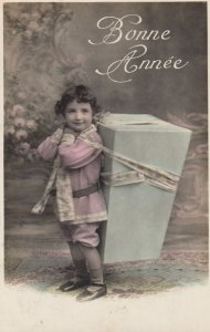 RP: Boy carrying a box , Bonne Annee , 00-10s