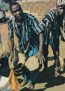 Ivory Coast , 1973 ; Drummer , Region De Man , Joueur de Tam-Tam