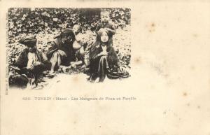 CPA VIETNAM Tonkin HANOI - Les Mangeurs de Poux en Famille (60047)
