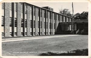F25/ Lakeview Oregon RPPC Postcard c1950s Court House Building