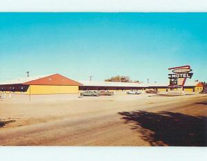 Unused Pre-1980 OLD CARS & LA VERENDRYE MOTEL AT THE PAS MB CANADA s5299-15