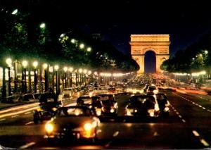 France Paris Les Champs-Elysees et l'Arc de Triomphe 1978