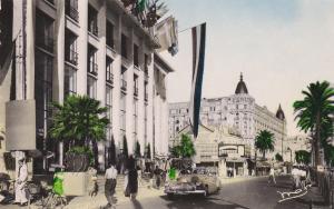 RP: CANNES , France , 30-40s ; La Croisette et le Palais des Festivals