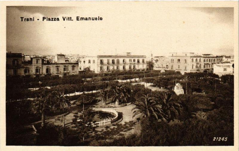 CPA AK TRANI Piazza Vitt. Emanuele . ITALY (531667)