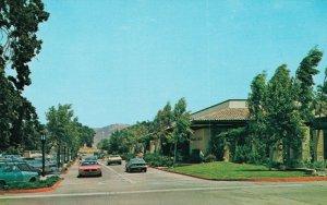 USA California Westlake Village Shopping Plaza 04.29