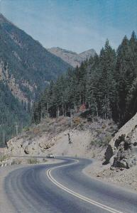 Through Mountain Peaks, Princeton Highway, PRINCETON, British Columbia, 40-60´s