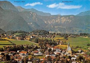 Grossgmain bei Salzburg Im Hintergrund Bayrisch Gmain Kirche Gesamtansicht