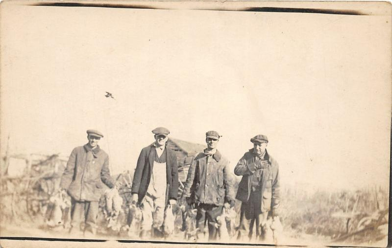 F25/ Interesting RPPC Photo Postcard c1910 Rabbit Hunting Men 5