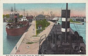 SAULT STE. MARIE, Michigan, 1910-30s; Busy Day at the Soo Locks