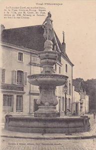 Toul Pittoresque, La Fontaine Curel, en marbre blanc, de la Place Croix-en-Bo...