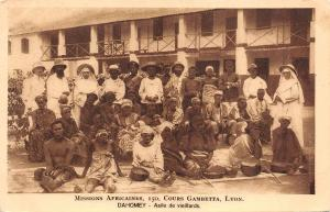 B95149 dahomey benin asile de vieillards folklore costumes  africa types
