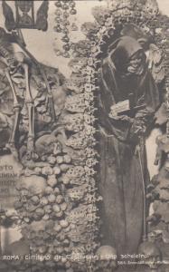 RP: ROMA - Cimitero dei Cappuccni - Uno scheletro, 20-40s
