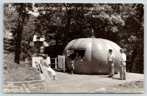 Wisconsin Dells~Holiday Park~Enchanted Forest~Peter Pumpkin Food Stand~1950 RPPC