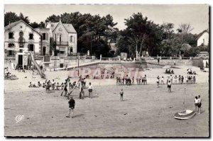 Postcard Modern Saint Trojan Games On The Beach And Villas Children