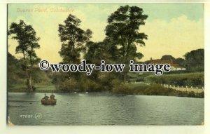 tp0610 - Essex - Couple Rowing across Bourne Pond c1910, Colchester - postcard