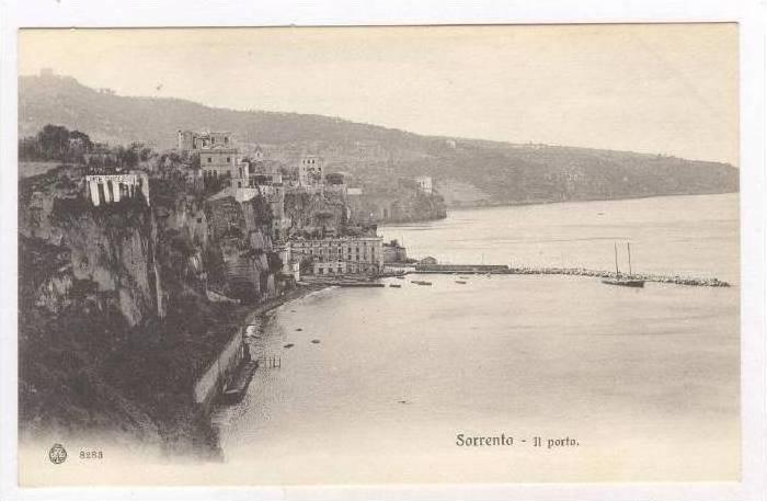 Sorrento , ITALY, 00-10s Il porto