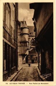 CPA   Le vieux Troyes - Rue Paillot de Montabert  (350912)