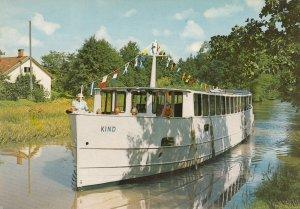 Kind i Kinda Kanal , Sweden , 50-70s