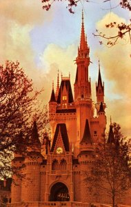 FL - Orlando. Walt Disney World. Cinderella Castle