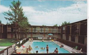 Swimming Pool , Cairn-Croft Motor Hotel , Niagra Falls , Ontario , Canada , 5...