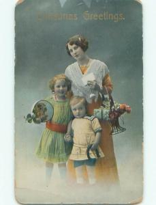 Pre-Linen christmas KIDS WITH GIFTS IN MOM'S ANTIQUE BASKET k1134