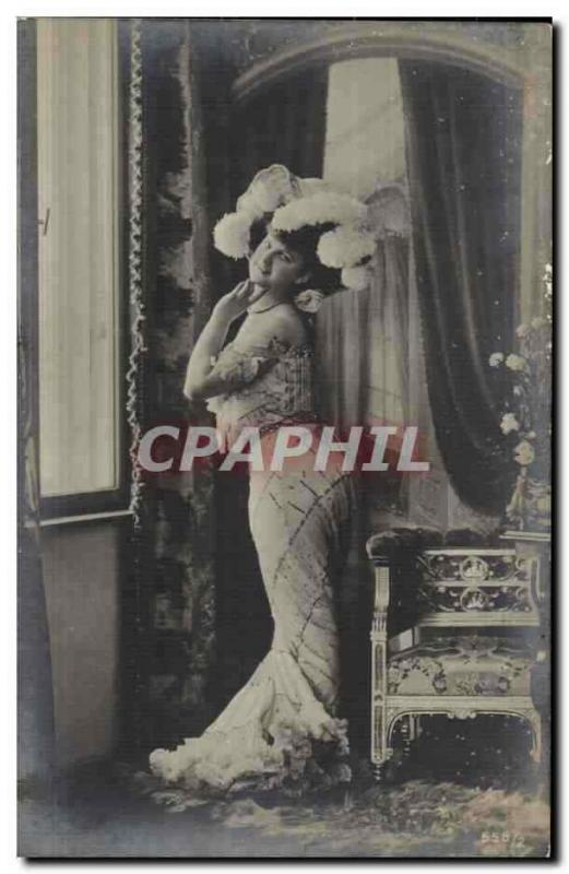 Fantaisie - Femme - Woman in a sassy pose (carte hongroise Hungary Hongrie)