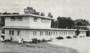 Crookston Minnesota~J-H Motel~Highway 2 & 75~1957 B&W Postcard
