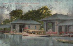 CHICAGO , Illinois , 1910 ; Jackson Park, Boathouse and Landing
