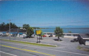 Motel et Restaurant de la Plage, Berthier-sur-Mer, Quebec, Canada, PU-1977