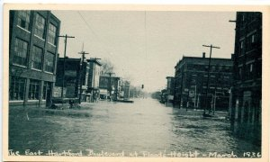 CT - Hartford. Great Flood, March 1936. E. Hartford Blvd at Flood's Height