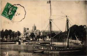 CPA CAEN - Le Port et l'Église de la Trinité Abbaye aux Dames (422337)